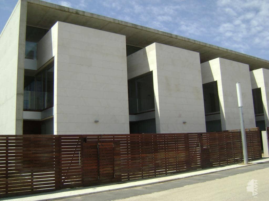 Casa en venta en La Florida, Móra D`ebre, Tarragona, Travesía Dalt (de), 305.000 €, 3 habitaciones, 2 baños, 260 m2