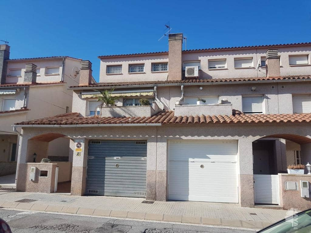 Casa en venta en Sant Esteve Sesrovires, Sant Esteve Sesrovires, Barcelona, Calle Santiago Ramon I Cajal, 210.200 €, 3 habitaciones, 1 baño, 133 m2