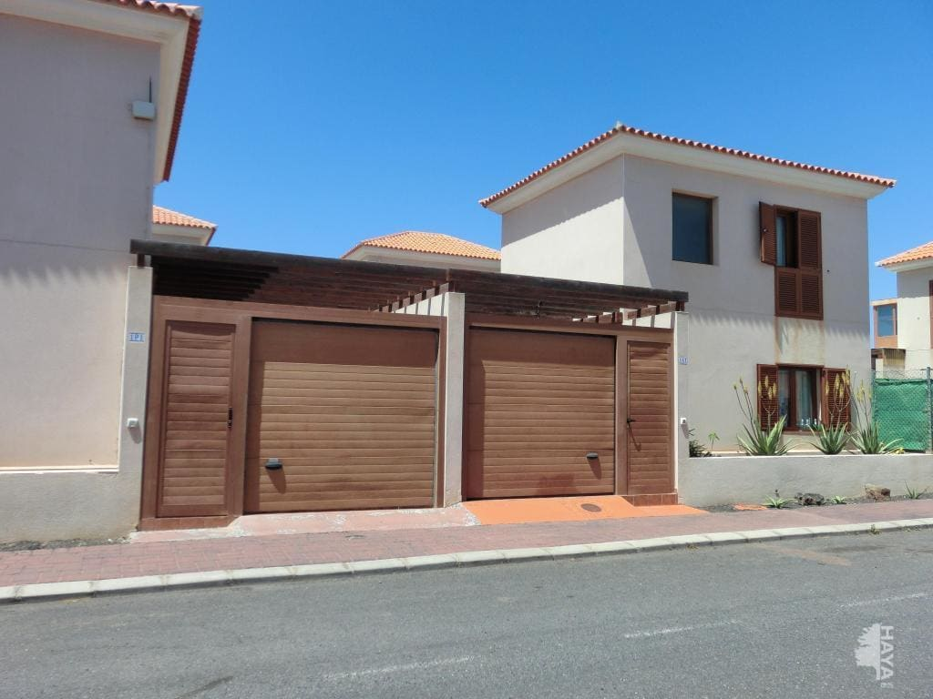 Casa en venta en La Oliva, Las Palmas, Calle Sabina, 155.000 €, 2 habitaciones, 1 baño, 79 m2