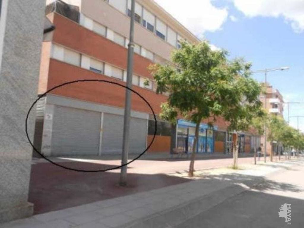 Local en venta en Zona Esportiva, Terrassa, Barcelona, Calle Lluis Muncunill, 244.600 €, 267 m2