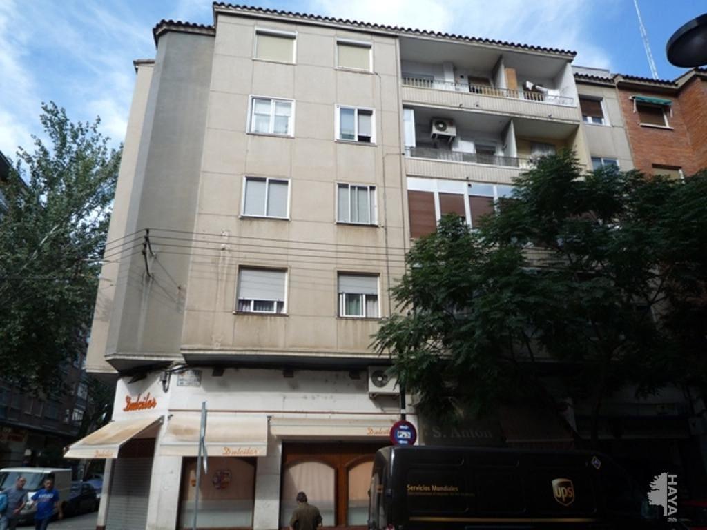 Piso en venta en Las Fuentes, Zaragoza, Zaragoza, Calle Doctor Iranzo, 68.100 €, 3 habitaciones, 1 baño, 70 m2