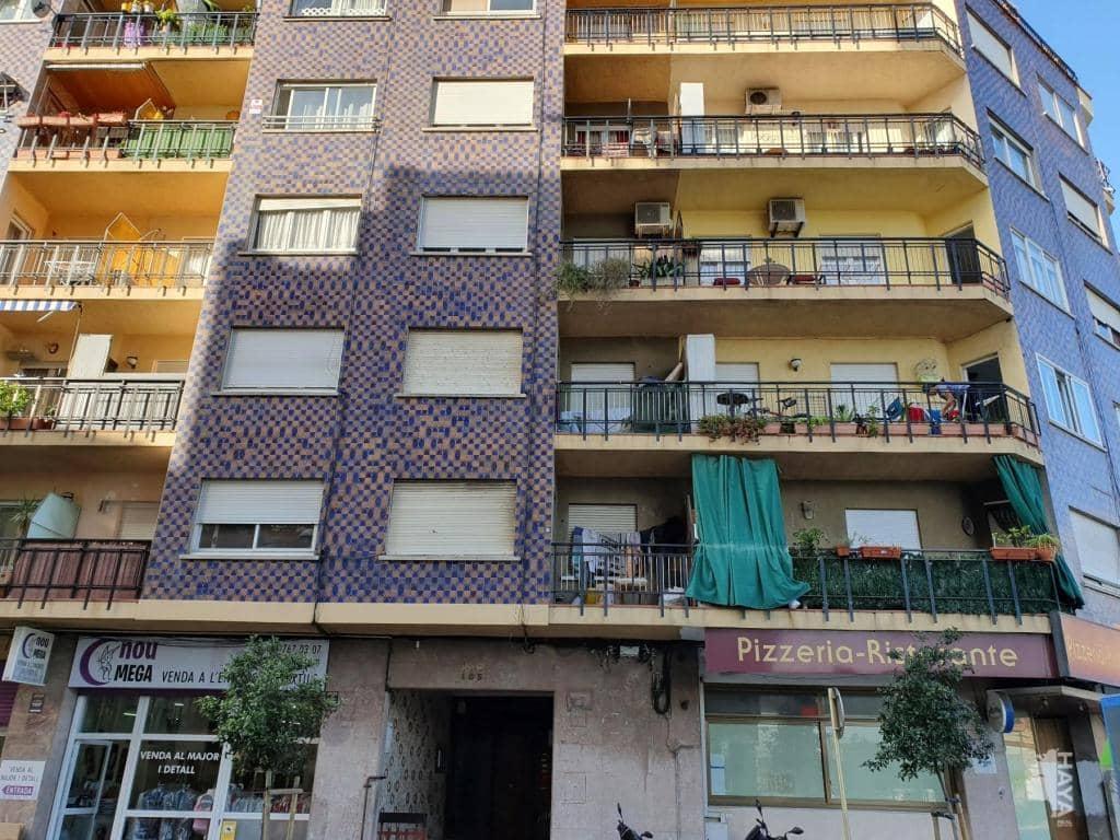 Piso en venta en Poblenou, Pineda de Mar, Barcelona, Avenida Mediterrani, 71.300 €, 3 habitaciones, 1 baño, 69 m2