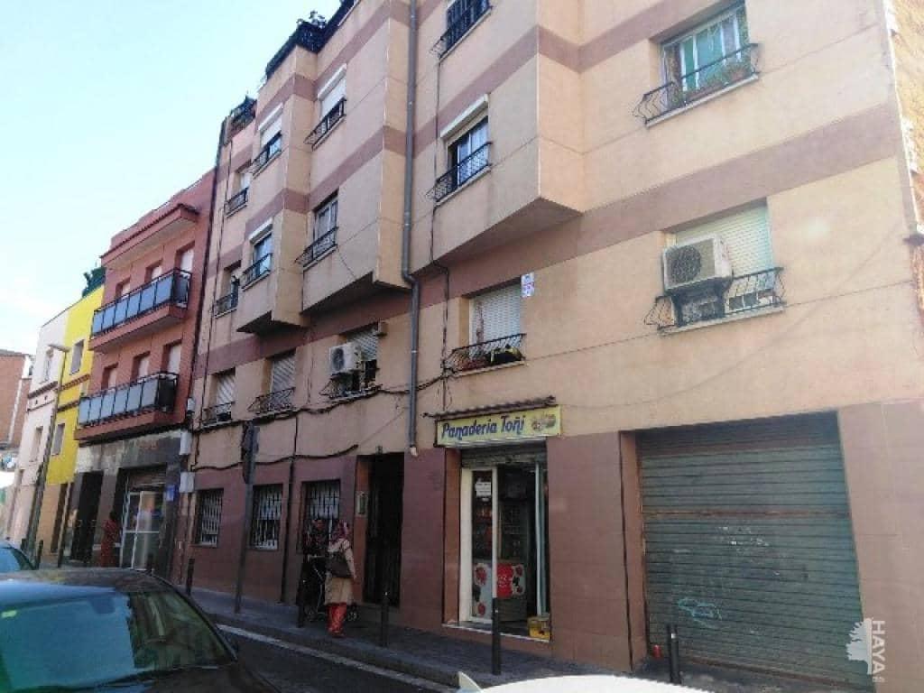 Piso en venta en Santa Coloma de Gramenet, Barcelona, Calle Pirineus, 74.700 €, 3 habitaciones, 1 baño, 66 m2