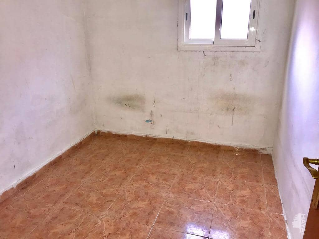 Piso en venta en Piso en Badalona, Barcelona, 82.500 €, 4 habitaciones, 1 baño, 71 m2