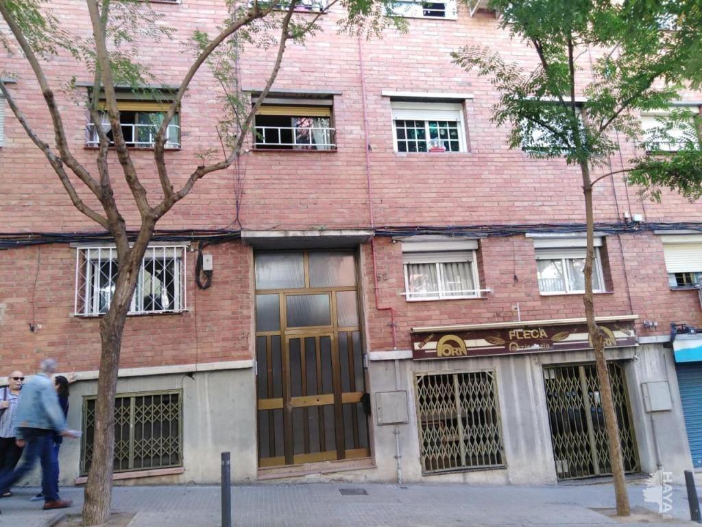Piso en venta en Santa Coloma de Gramenet, Barcelona, Calle Aguileres, 90.700 €, 2 habitaciones, 1 baño, 67 m2
