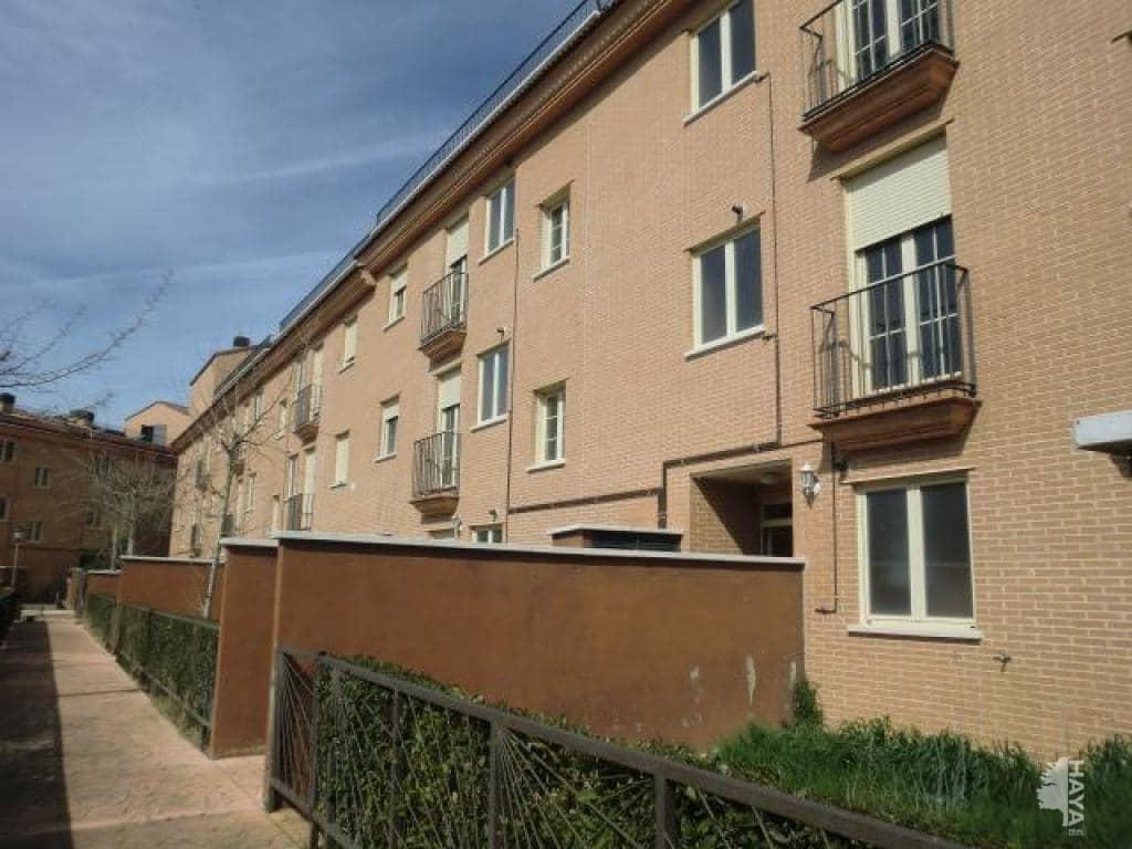 Piso en venta en Villamiel de Toledo, Villamiel de Toledo, Toledo, Calle Blandones, 34.100 €, 2 habitaciones, 2 baños, 81 m2