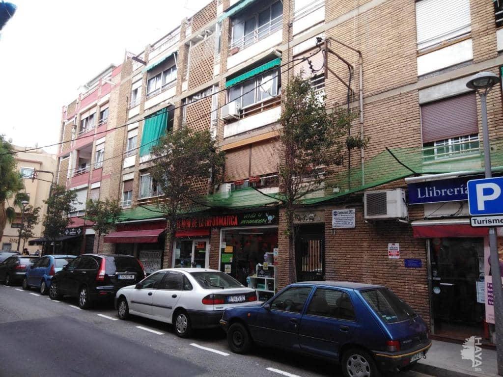 Piso en venta en Santa Coloma de Gramenet, Barcelona, Calle Mila I Fontanals, 105.100 €, 3 habitaciones, 1 baño, 66 m2