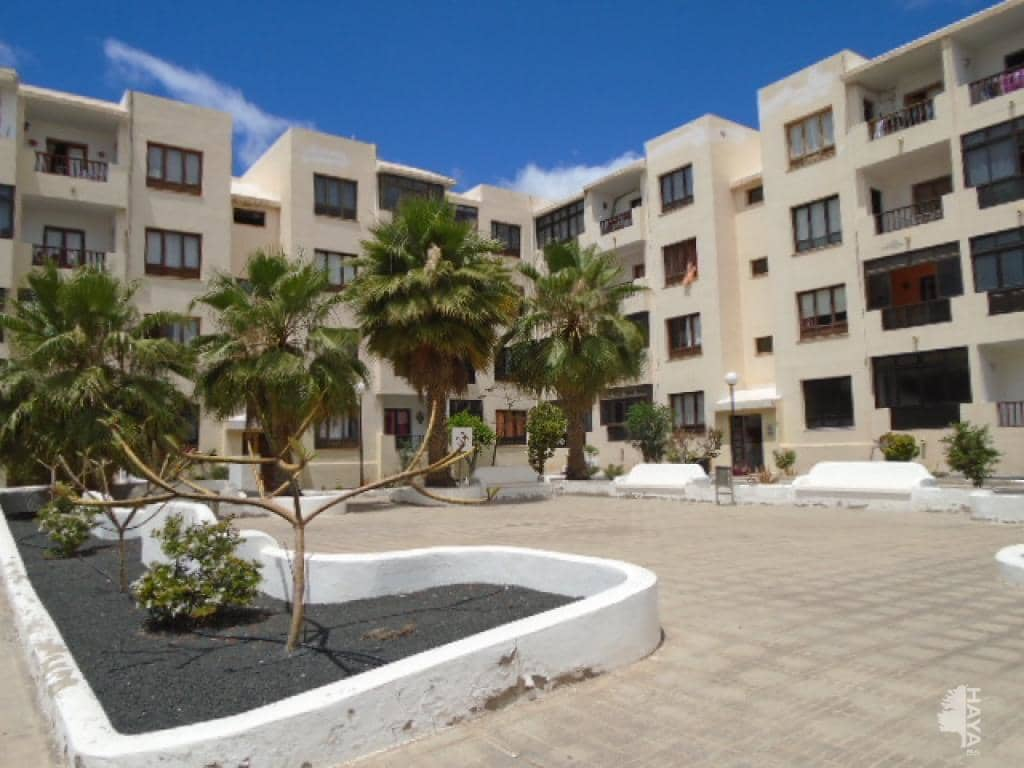 Piso en venta en Arrecife, Las Palmas, Calle Fuencaliente, 76.500 €, 3 habitaciones, 1 baño, 79 m2