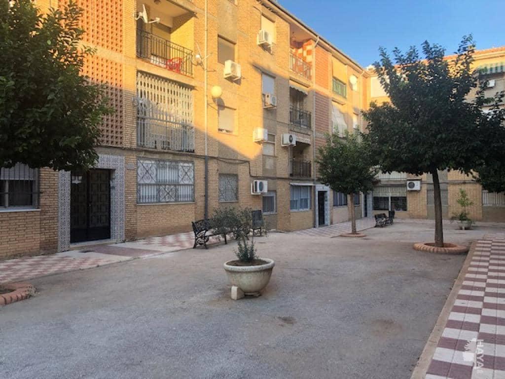 Piso en venta en Bailén, Jaén, Avenida Historiador Rus de la Puerta, 28.200 €, 1 baño, 79 m2