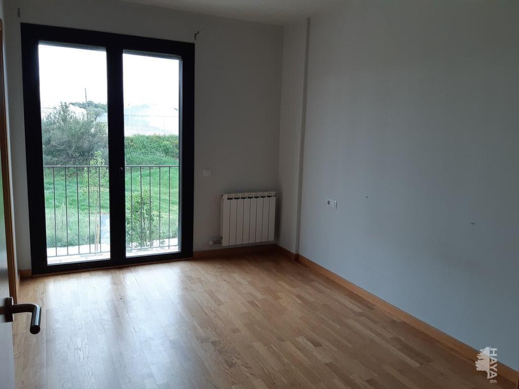 Casa en venta en Vilafant, Girona, Calle Margarida Xirgu, 300.000 €, 4 habitaciones, 2 baños, 244 m2