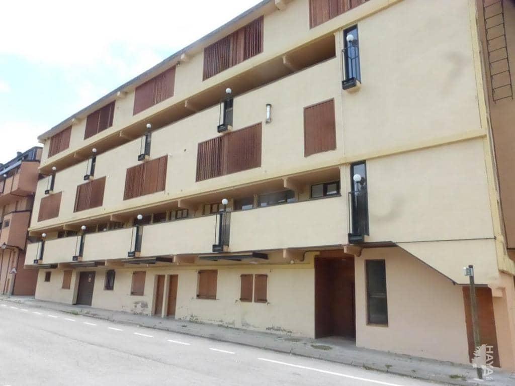 Piso en venta en Alp, Girona, Calle Estacio, 92.440 €, 3 habitaciones, 2 baños, 61 m2