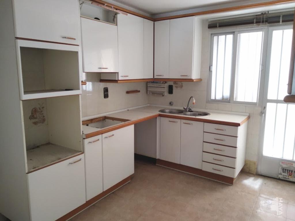 Piso en venta en Armilla, Granada, Calle Almeria, 174.100 €, 3 habitaciones, 1 baño, 196 m2