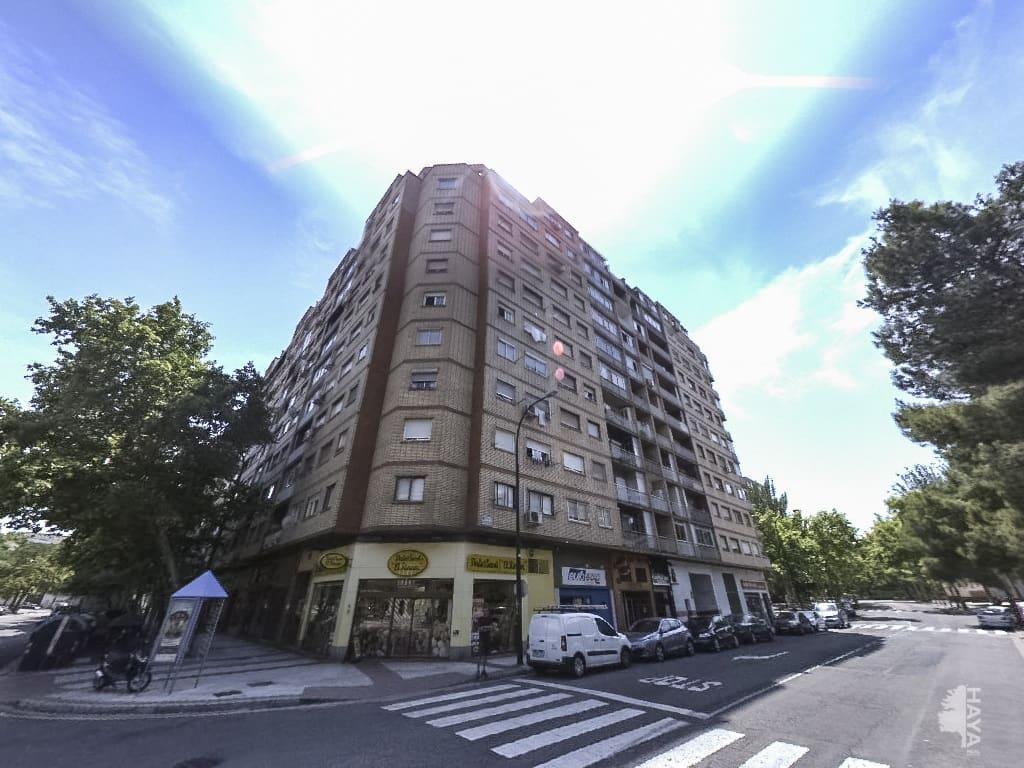 Piso en venta en Zaragoza, Zaragoza, Calle Galan Bergua, 63.700 €, 3 habitaciones, 1 baño, 69 m2