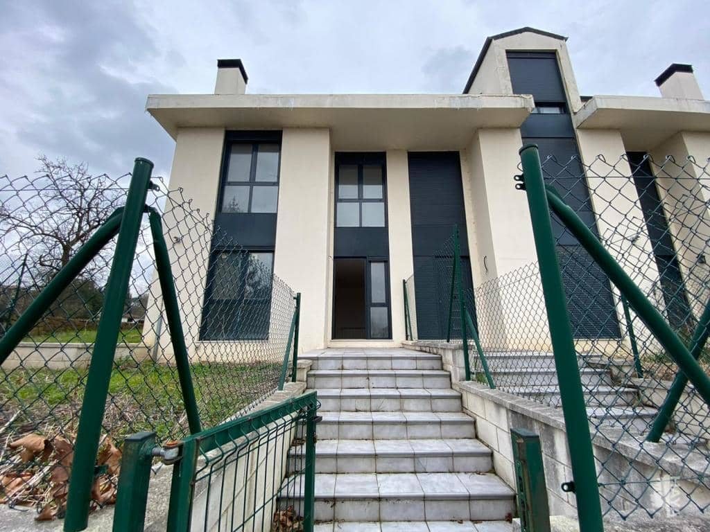 Casa en venta en Reocín, Cantabria, Urbanización Viar (el), 125.000 €, 3 habitaciones, 2 baños, 144 m2