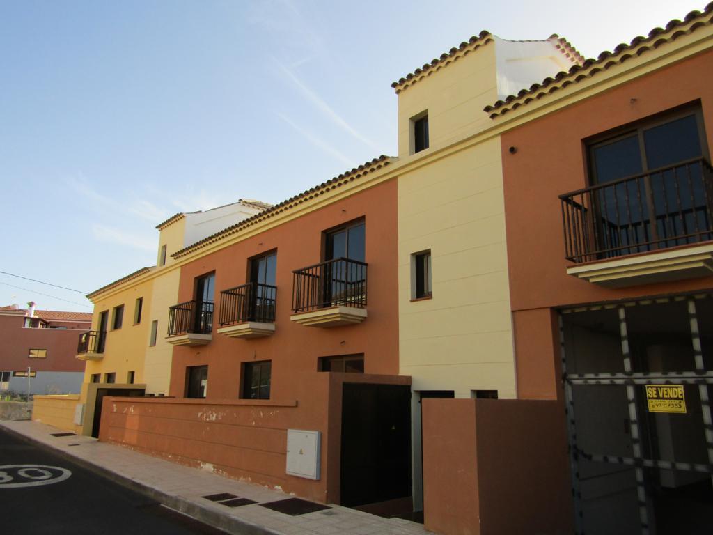 Casa en venta en Tijoco Bajo, Adeje, Santa Cruz de Tenerife, Calle Marruecos, 165.000 €, 140 m2