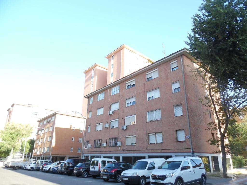 Piso en venta en San Blas, Madrid, Madrid, Calle Lucano, 169.500 €, 4 habitaciones, 2 baños, 81 m2