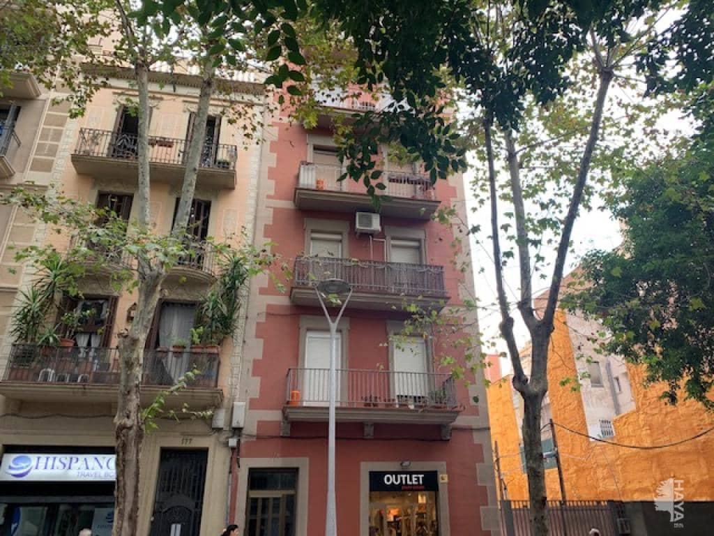 Piso en venta en Les Corts, Barcelona, Barcelona, Calle Industria, 222.500 €, 4 habitaciones, 1 baño, 62 m2