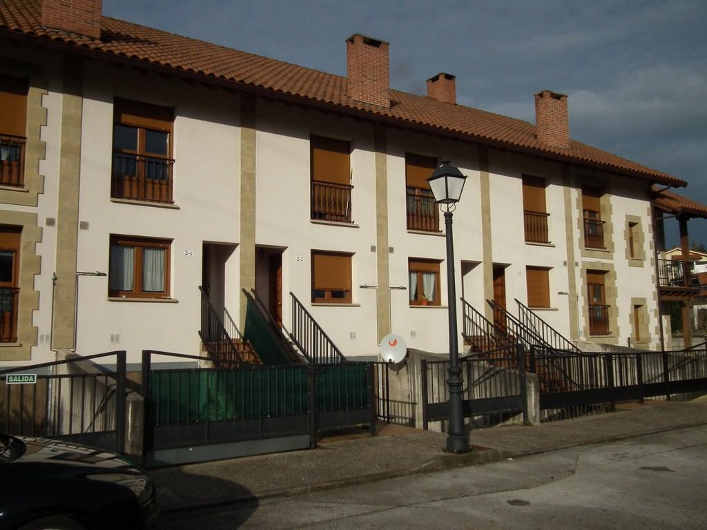 Casa en venta en Reocín, Cantabria, Urbanización Llens- Valles, 85.000 €, 3 habitaciones, 2 baños, 146 m2