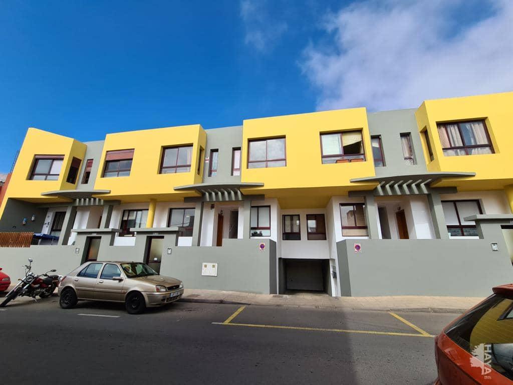 Piso en venta en Puerto del Rosario, Las Palmas, Calle Isaac Peral, 76.700 €, 2 habitaciones, 1 baño, 67 m2