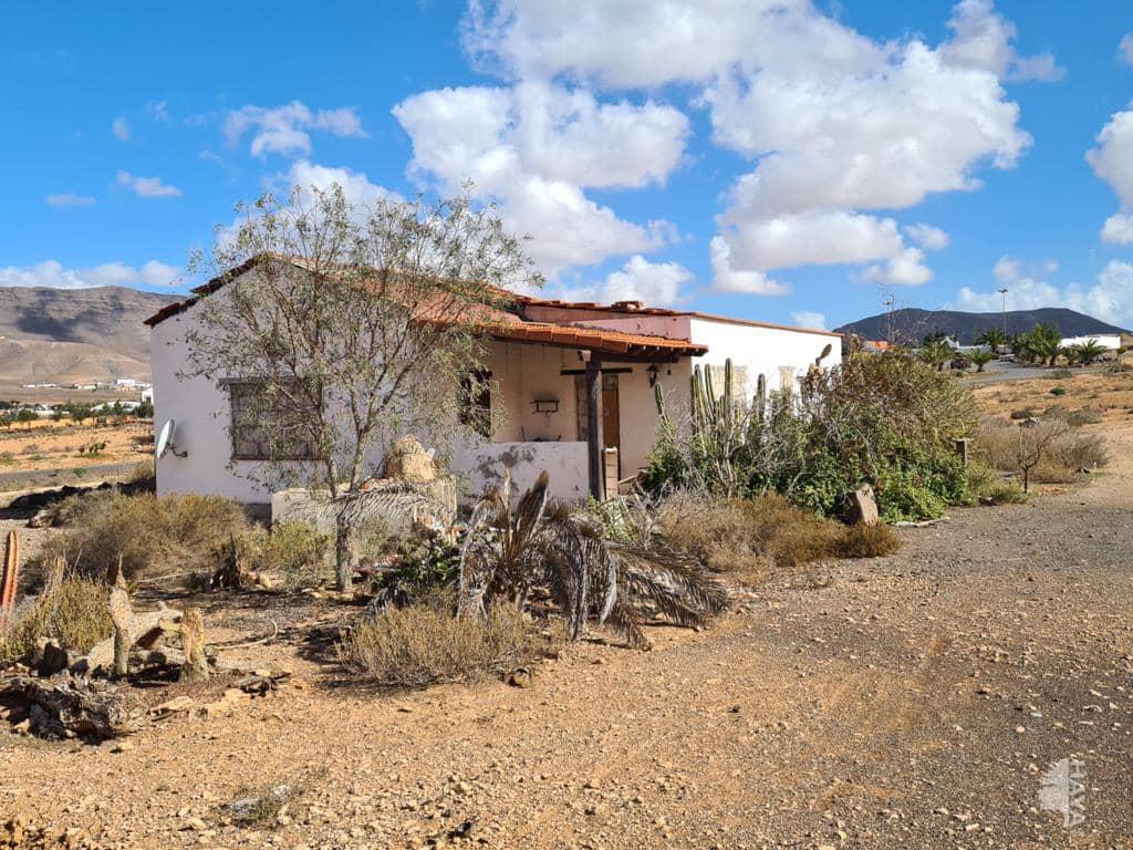 Casa en venta en Puerto del Rosario, Las Palmas, Lugar Casillas del Angel, 160.000 €, 3 habitaciones, 1 baño, 86 m2