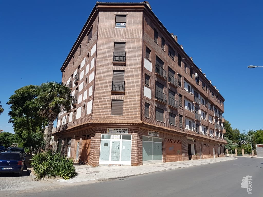 Piso en venta en Tarancón, Cuenca, Calle General Emilio Villaescusa, 59.000 €, 2 habitaciones, 2 baños, 80 m2