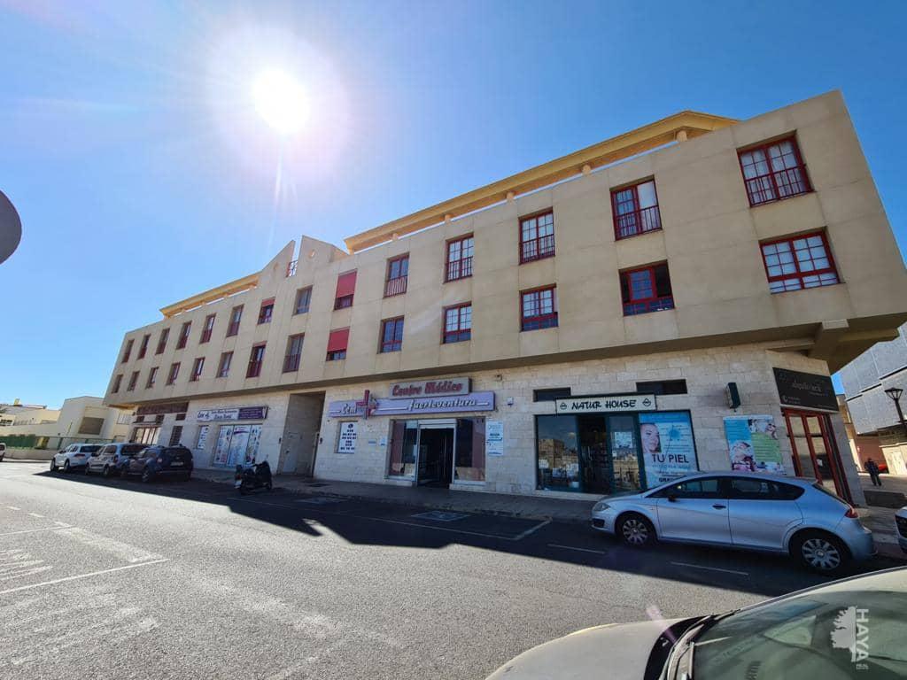 Piso en venta en La Charca, Puerto del Rosario, Las Palmas, Calle Machin (los), 115.000 €, 3 habitaciones, 2 baños, 87 m2