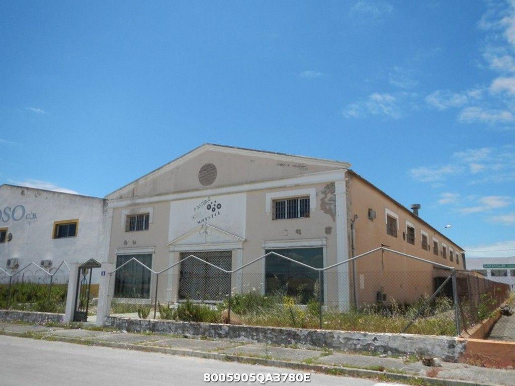 Industrial en venta en Sanlúcar de Barrameda, Cádiz, Calle Miguel Servet, 604.000 €, 1820 m2