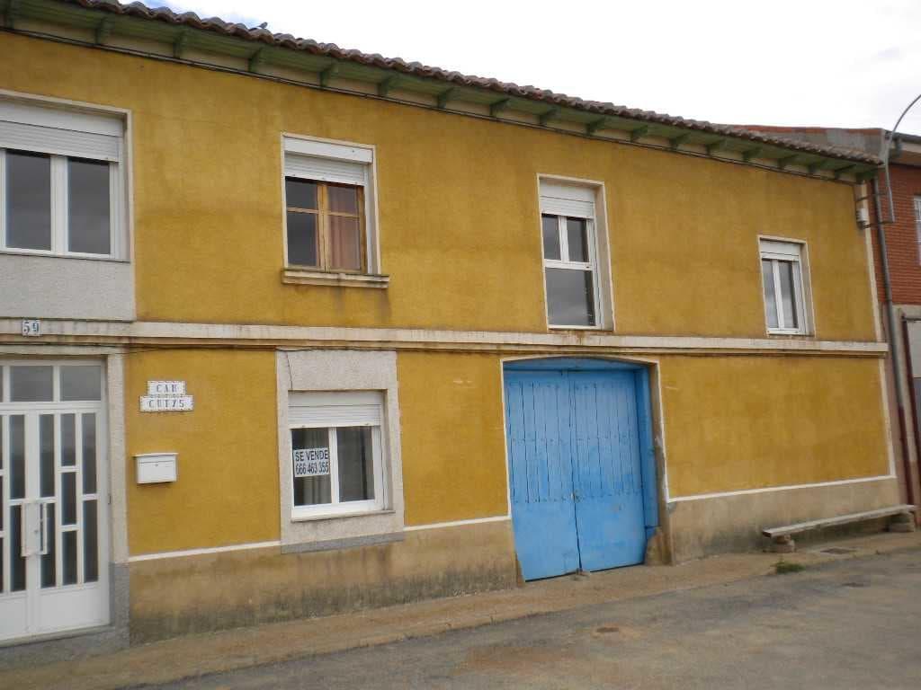 Casa en venta en Huerga de Garaballes, Soto de la Vega, León, Calle Zaya, 36.085 €, 11 habitaciones, 1 baño, 432 m2