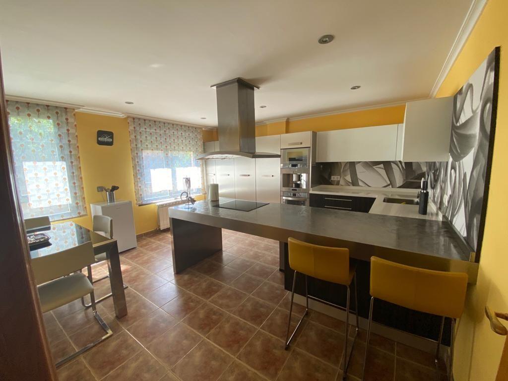 Casa en venta en La Vellés, la Vellés, Salamanca, Calle Santiago Martin (s.ur.5), 180.000 €, 3 habitaciones, 2 baños, 237 m2