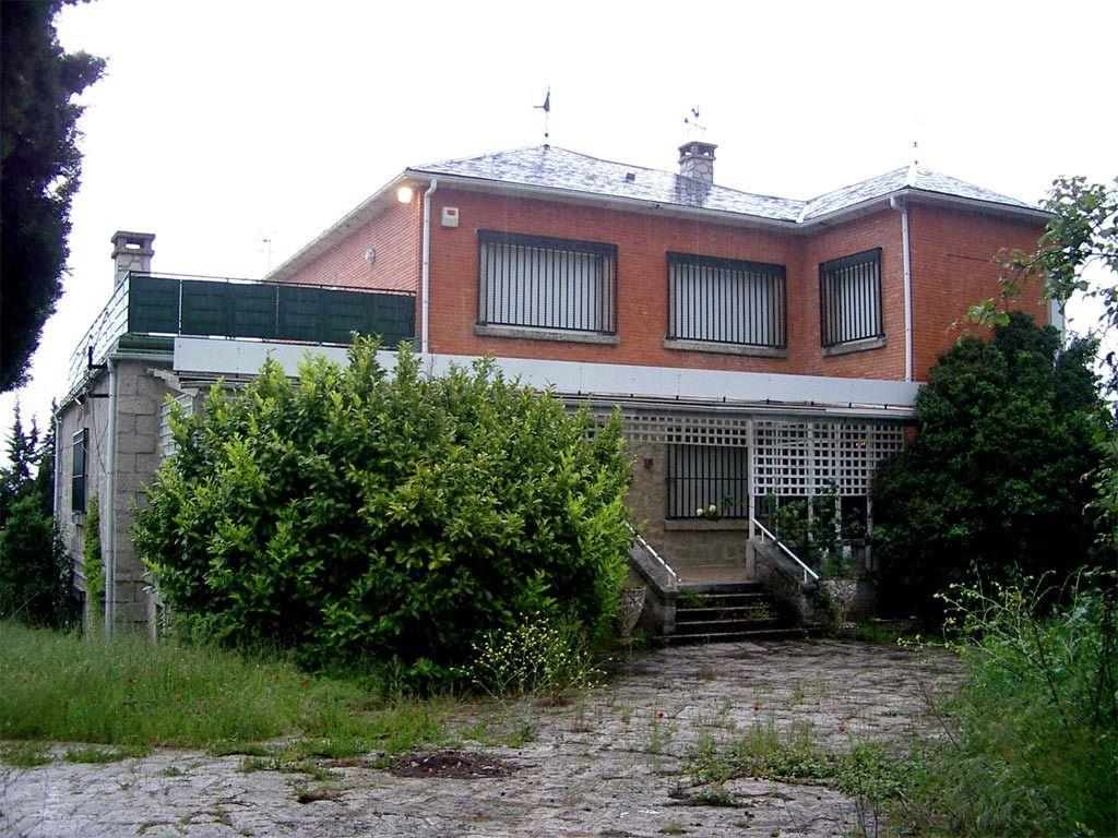 Casa en venta en Lozoyuela-navas-sieteiglesias, Madrid, Carretera Mangiron, 499.000 €, 8 habitaciones, 4 baños, 886 m2