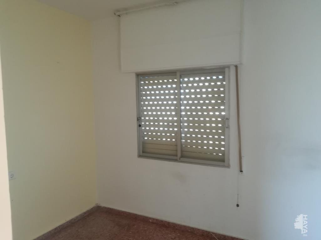 Piso en venta en Piso en Oliva, Valencia, 56.155 €, 4 habitaciones, 1 baño, 110 m2