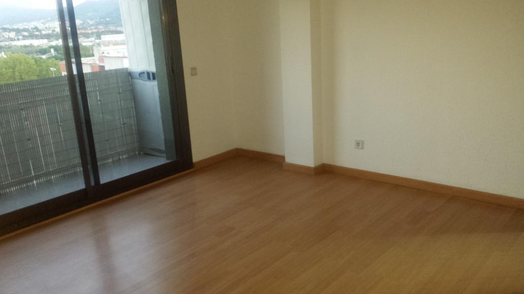 Piso en venta en L`eixample, Parets del Vallès, Barcelona, Avenida Catalunya, 114.500 €, 4 habitaciones, 1 baño, 79 m2