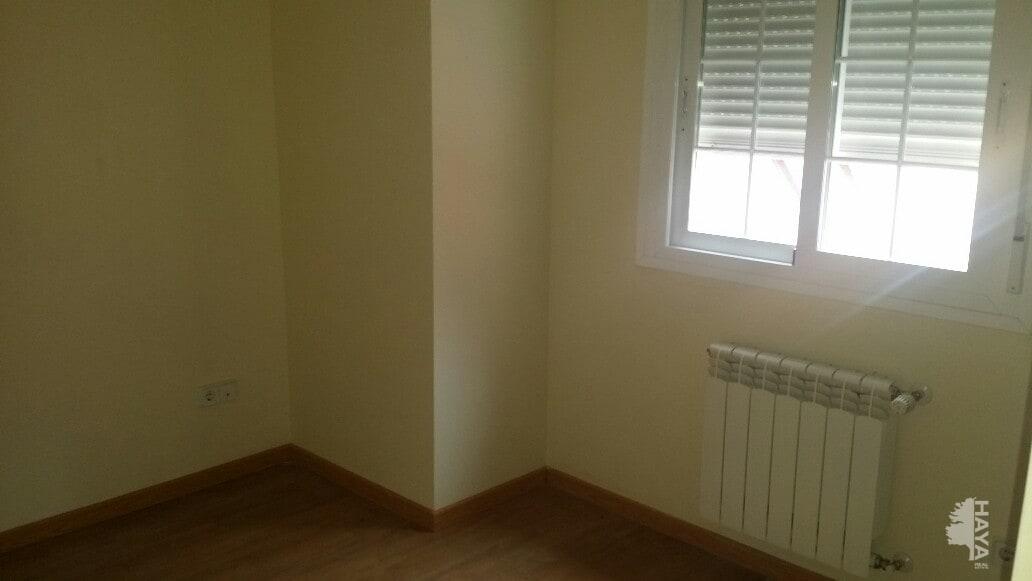 Piso en venta en Piso en Madrid, Madrid, 199.000 €, 3 habitaciones, 2 baños, 126 m2