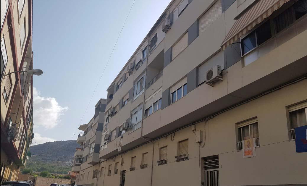 Piso en venta en Villena, Alicante, Calle Virgen de Guadalupe, 40.409 €, 3 habitaciones, 1 baño, 98 m2