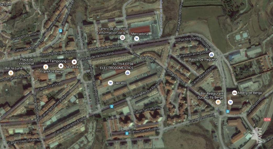 Piso en venta en Cal Rota, Berga, Barcelona, Calle Antoni Sansalvador, 67.900 €, 3 habitaciones, 1 baño, 65 m2