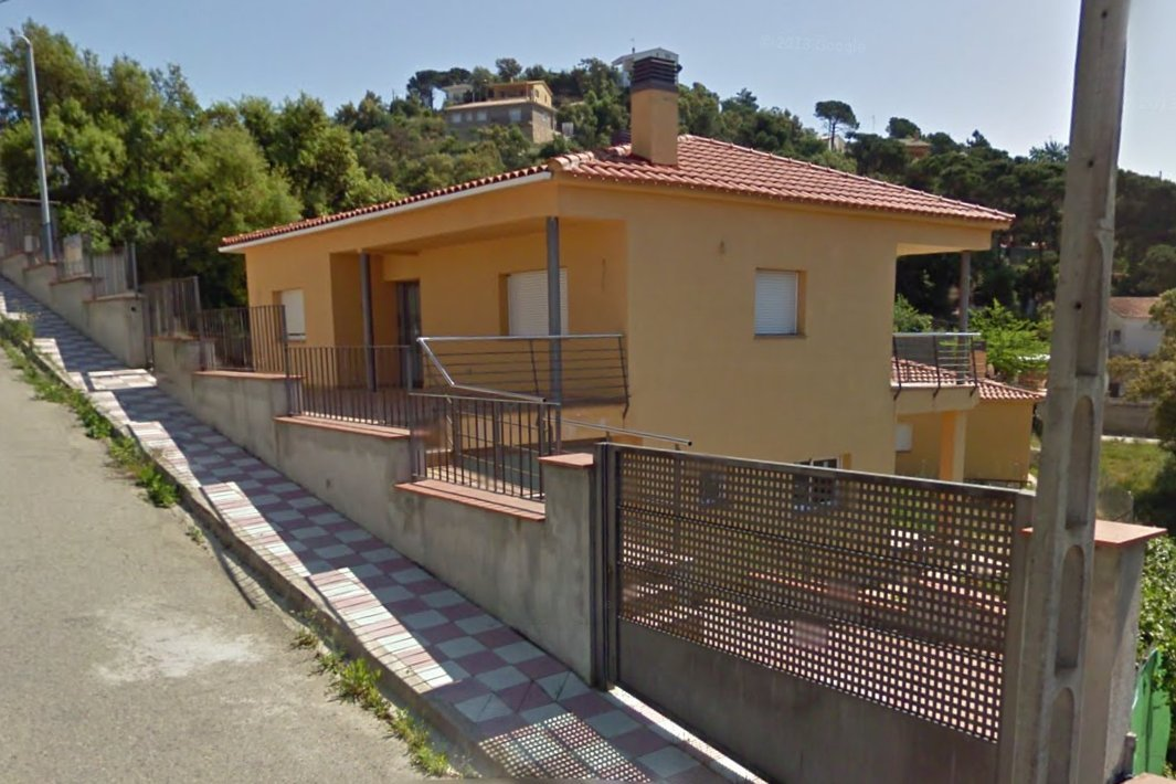 Casa en venta en Can Vives de Baix, Vidreres, Girona, Calle Hortensia, 131.000 €, 4 habitaciones, 3 baños, 123 m2
