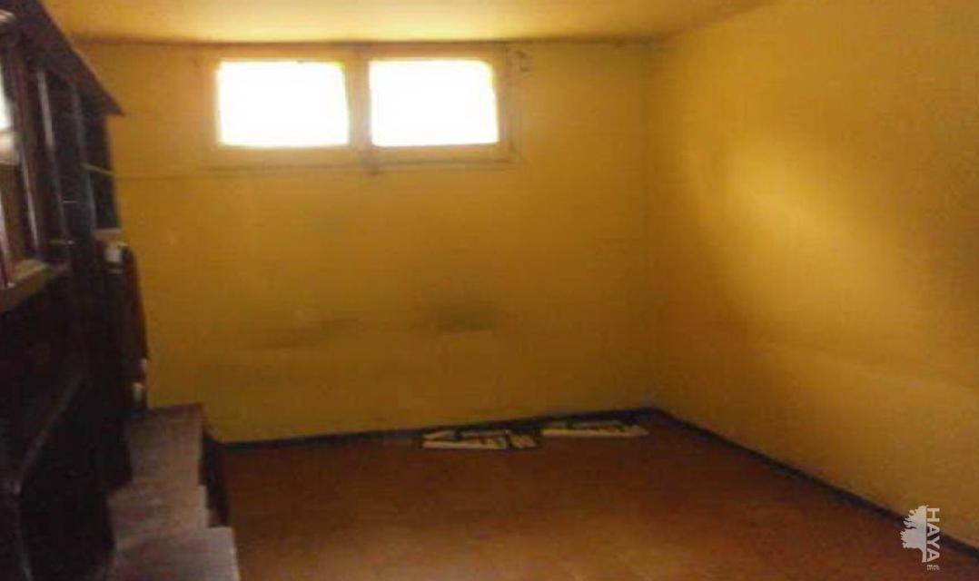 Piso en venta en Sant Celoni, Barcelona, Calle Canàries, 64.600 €, 4 habitaciones, 1 baño, 64 m2