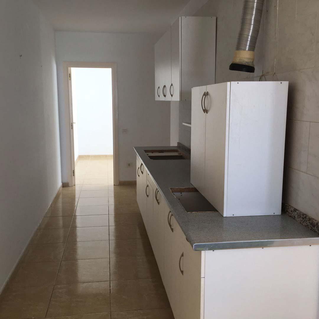 Oficina en venta en Oficina en Santa Lucía de Tirajana, Las Palmas, 93.000 €, 102 m2