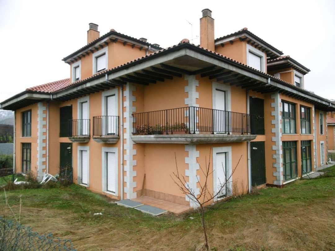 Piso en venta en Soba, Cantabria, Urbanización la Gandara, 52.300 €, 3 habitaciones, 2 baños, 111 m2