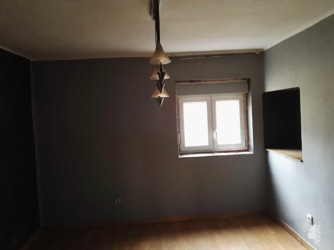 Piso en venta en Ramales de la Victoria, Ramales de la Victoria, Cantabria, Calle Gerardo Diego, 38.000 €, 2 habitaciones, 1 baño, 55 m2