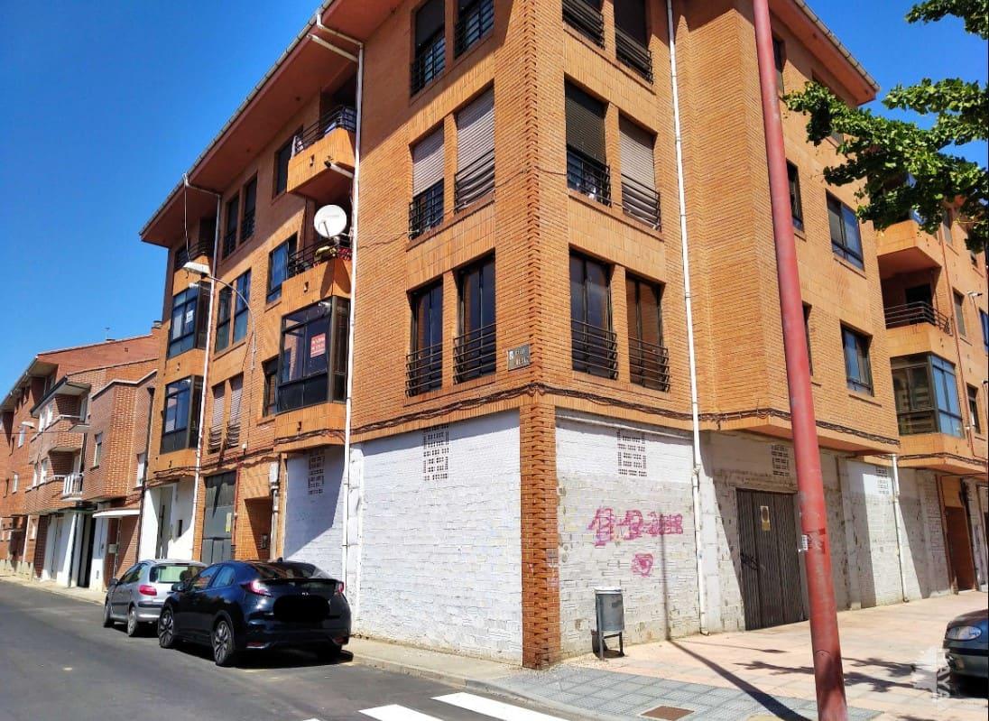 Piso en venta en Valencia de Don Juan, León, Calle Valdesaz, 90.500 €, 3 habitaciones, 2 baños, 128 m2