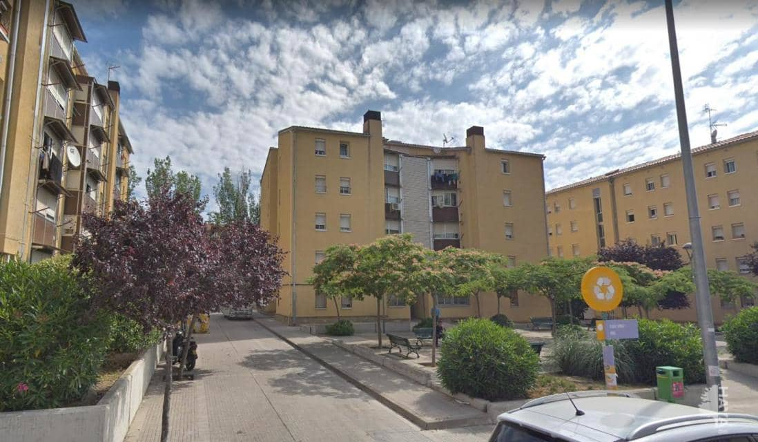 Piso en venta en Sant Llorenç, Terrassa, Barcelona, Calle Cavall Bernat, 45.800 €, 1 habitación, 1 baño, 53 m2