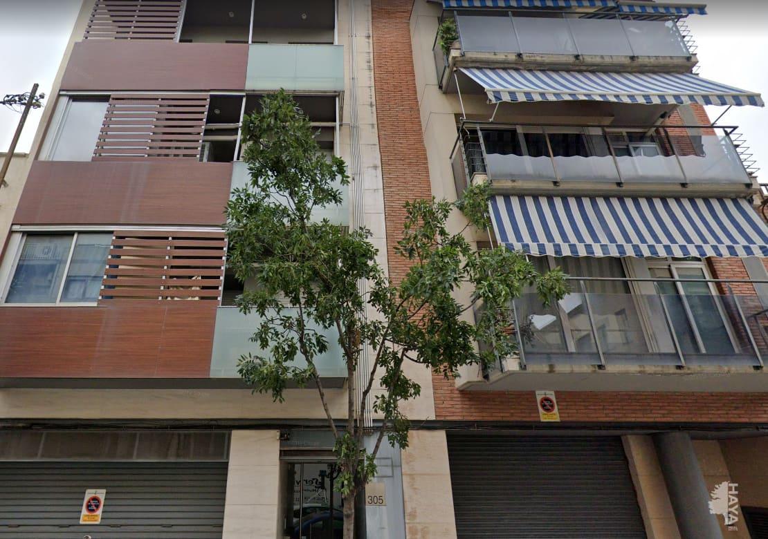 Piso en venta en Guadalhorce, Terrassa, Barcelona, Calle Colom, 128.000 €, 4 habitaciones, 2 baños, 68 m2