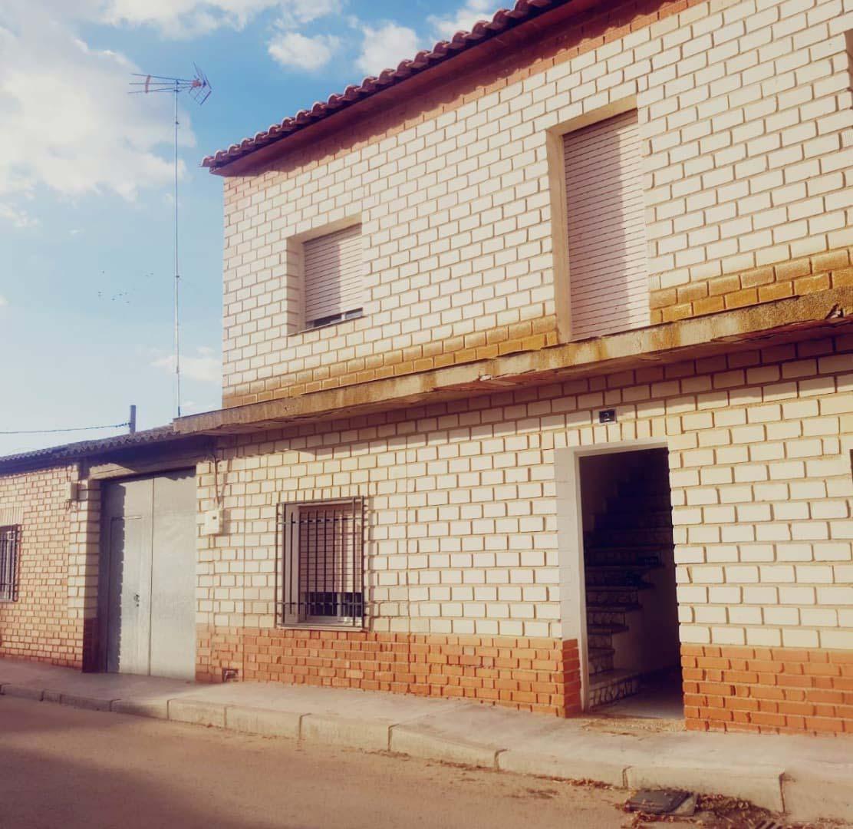 Casa en venta en Los Hinojosos, los Hinojosos, Cuenca, Calle Manuel Garde, 51.800 €, 3 habitaciones, 2 baños, 221 m2
