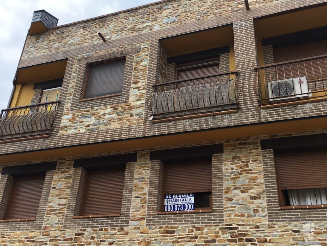 Piso en alquiler en Arenas de San Pedro, Ávila, Calle Roble, 350 €, 3 habitaciones, 2 baños, 99 m2