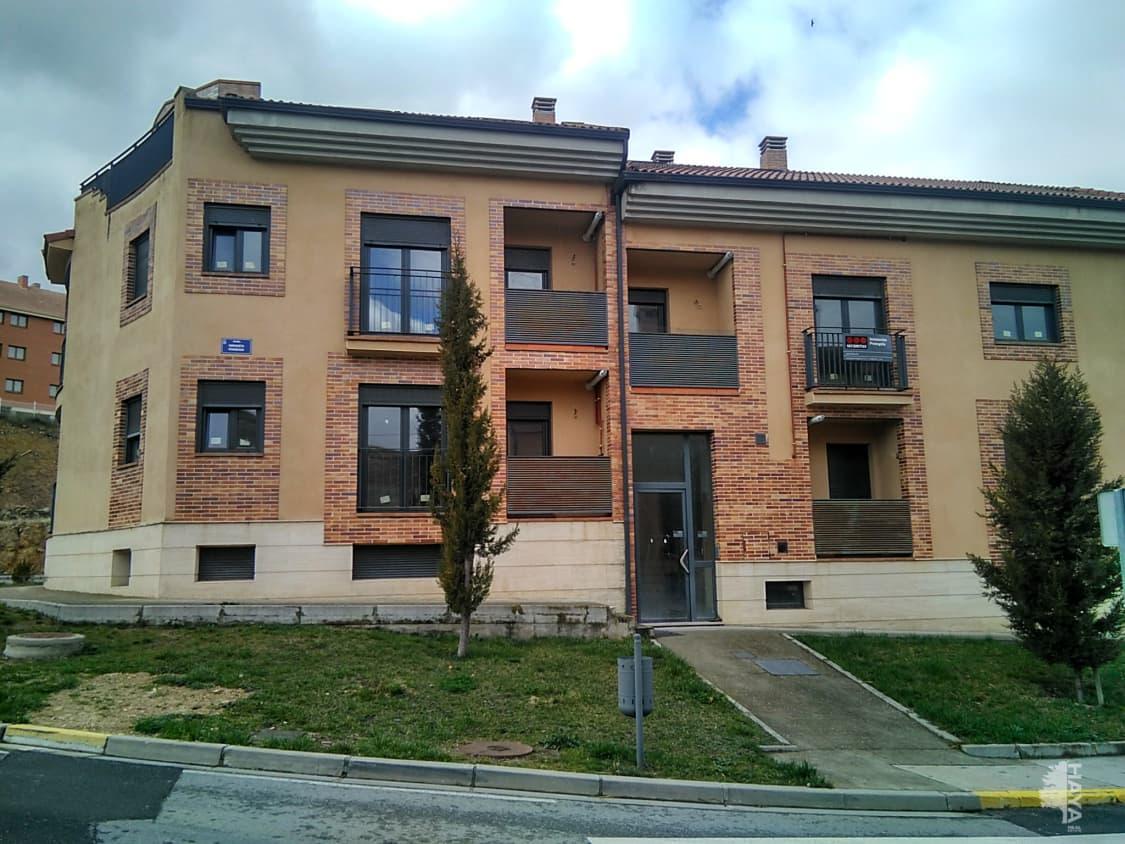 Piso en venta en Bernuy de Porreros, Bernuy de Porreros, Segovia, Calle Enriqueta Peigneux, 76.000 €, 1 habitación, 1 baño, 74 m2