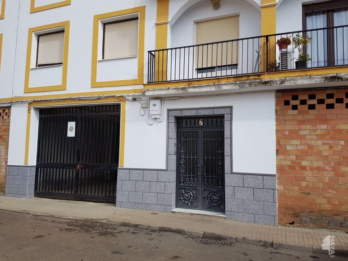 Piso en venta en Monterrubio de la Serena, Monterrubio de la Serena, Badajoz, Calle El Carmen, 43.900 €, 3 habitaciones, 2 baños, 104 m2