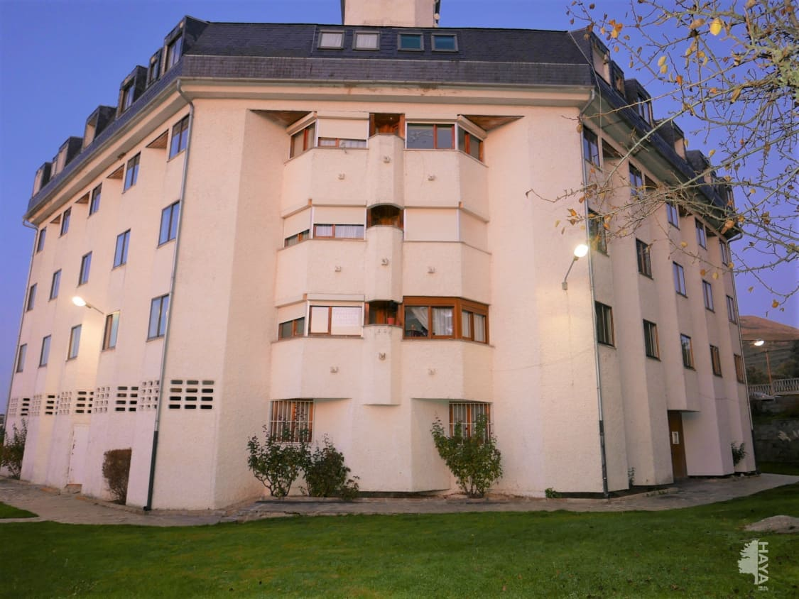 Piso en venta en Los Ángeles de San Rafael, El Espinar, Segovia, Calle Portugal, 55.000 €, 2 habitaciones, 1 baño, 127 m2
