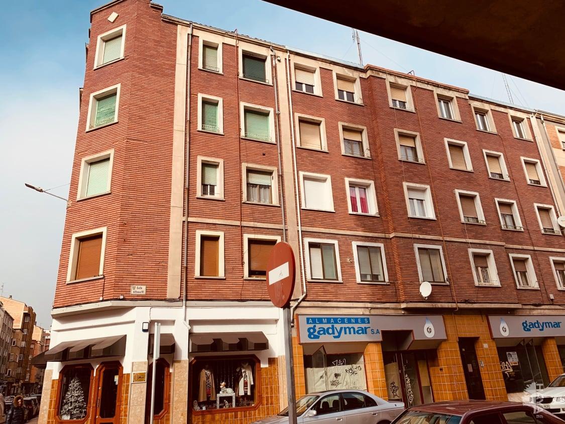 Piso en venta en Allende, Miranda de Ebro, Burgos, Calle Alfonso I, 53.760 €, 3 habitaciones, 1 baño, 66 m2