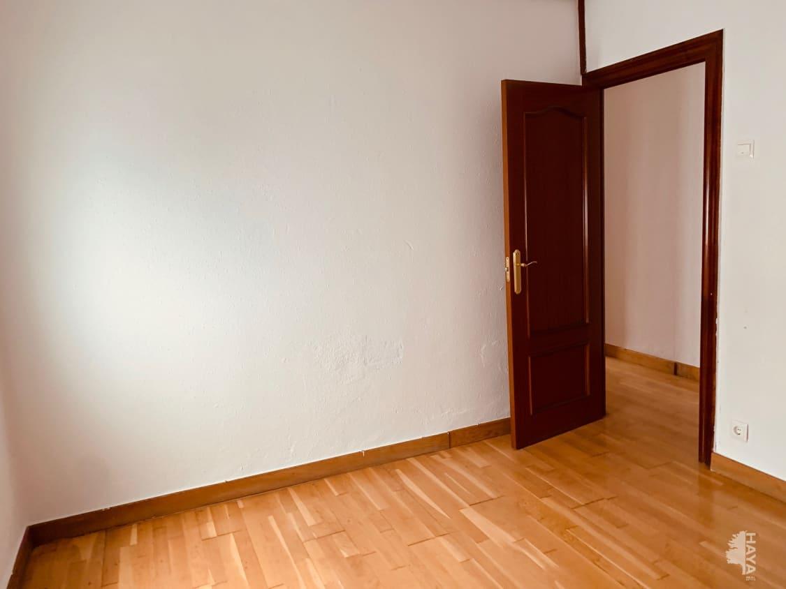 Piso en venta en Piso en Miranda de Ebro, Burgos, 66.000 €, 3 habitaciones, 1 baño, 88 m2